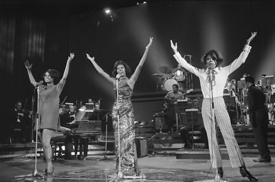 Diana Ross & The Supremes 10x8 Glossy Black & White Music Photo Print Picture