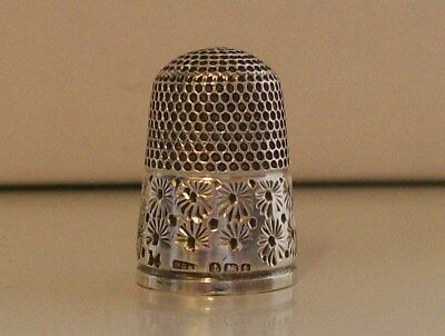 Stunning Henry Griffiths & Sons (14) Silver Thimble Hallmarked Birmingham 1918