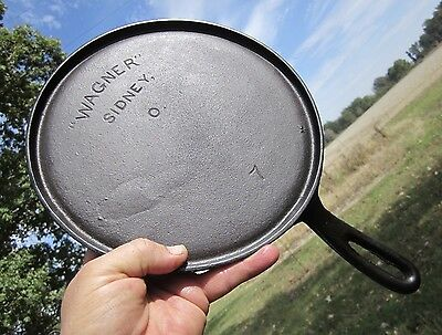 "EARLY 1900s  RARE ANTIQUE No. 7 ""WAGNER"" SIDNEY, O CAST IRON GRIDDLE - OHIO USA"
