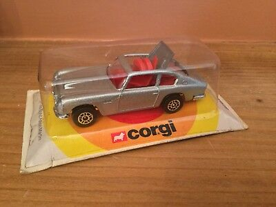 Vintage Corgi Juniors #40 James Bond Aston Martin Sealed In Blister Pack On Card