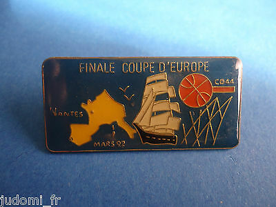 Pin's pin BASKET BALL FINALE COUPE D'EUROPE NANTES 1992 (ref L15)