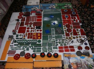 Vintage Meccano set No 8, 600 Parts, books, mags and motors and many extra parts
