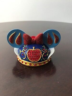Disney Christmas - Snow white head with red glitter bow