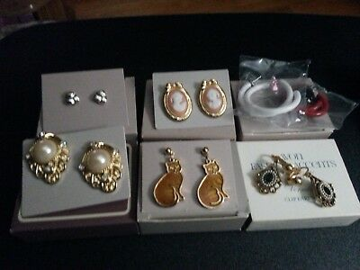 Vintage lot of 6 Avon earring's in the original boxes