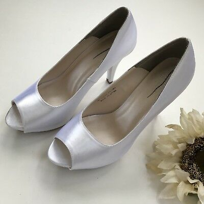 Pre-owned Davids Bridal Paloma White Pearl Satin Peep Toe High Heels Size 9