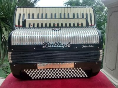 Dallapé Stradella Accordion , Italia. 41 keys 120 bass.