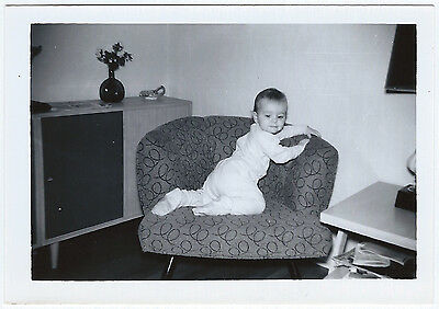Vintage Photo Snapshot 1950s CUTE BABY Footie Pajamas MID-CENT-MOD Groovy Chair
