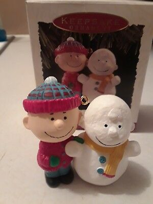 Hallmark Ornament The Peanuts Gang #1 1993 Charlie Brown with Snowman