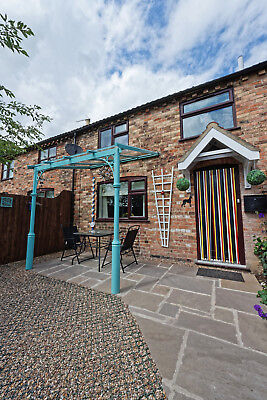 Luxury Holiday Cottage - Lincolnshire Wolds  - Sleeps up to 5 - Pets welcome