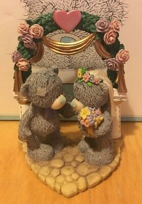 Boxed Me To You Figurine - Tying The Knot - 2004 - Very Rare.