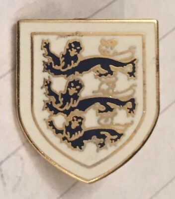 England Old Rare Three Lions Shield Enamel Football Pin Badge