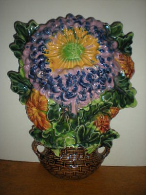 Pottery Raised Wall Pocket Bouquet Flowers Daisy Weave Basket Colors Vtg RARE
