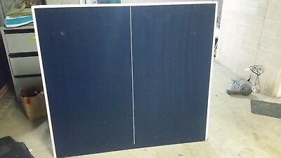 Double Fish 2 piece table tennis table + net, bats and balls - hardly used