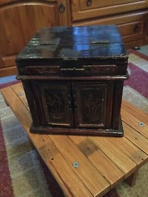 1 (one ) ANTIQUE CHINESE DRESSING CHEST