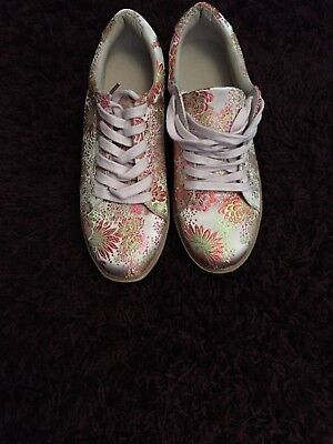 New Look Size 8 Embroidered Trainer Shoes Bnwt £25.99 Unwanted Gift