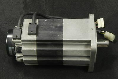 USED 1PCS Omron  servo motor R88M-H1K130-B tested