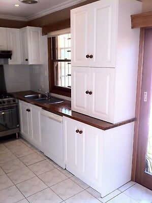 Complete kitchen with used appliances