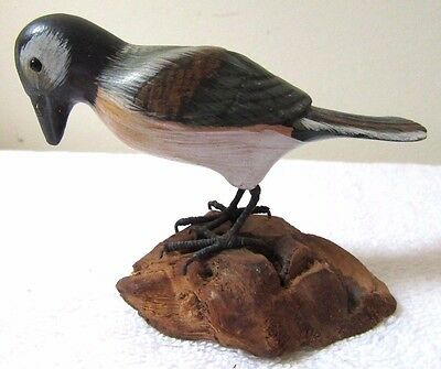 Quality Vintage Bird Carving Painted Wood Burl Stand Folk Art Country Statue