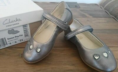 Clarks girls Dance Pop first metallic silver leather shoes size 5G - WORN ONCE