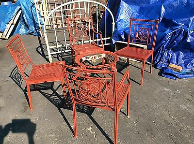 Vintage Heavy Metal 5 Piece Ornate Patio / Yard Set. 4 Chairs 1 Table -Very Good