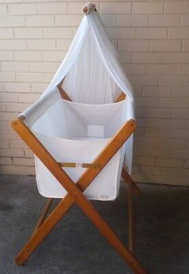 Coco Bassinet - Used in excellent condition