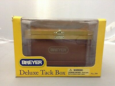 Breyer B286 Traditional 1:9 Scale Deluxe Tack Box. Shipping Included