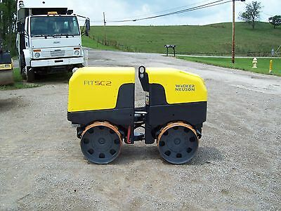 "WACKER RTxSC2 REMOTE CONTROLLED VIB.TRENCH ROLLER, 2016 ENGINE, ""ONLY 30 HOURS"""