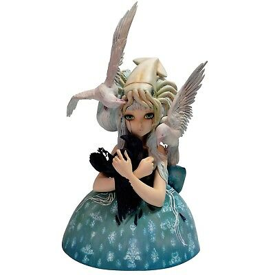 Dark Horse Deluxe Camilla D'Errico: No Ordinary Love Bust. Shipping Included