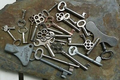 25 Assorted Vintage  Keys Furniture    Skeleton Mortise Lock Clock Trunk