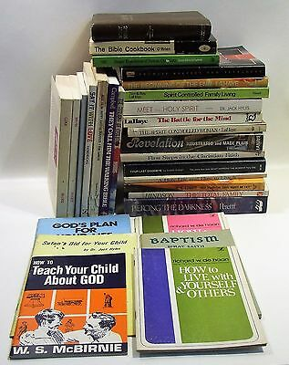 29 Assorted Lot of Vintage Christian Books / Pamphlets (3675)