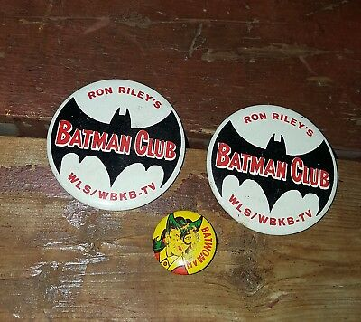 Vintage Lot Of (3) 1960's Ron Riley's Batman Club And Batwoman Pinback Buttons