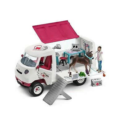 SALE Schleich Mobile Vet and Accessories with Hanoverian Foal NKT