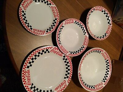 1996 GIBSON COCA COLA CHECKERBOARD DINNERWARE SERVING SET for 8./2 serving bowls