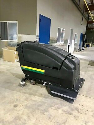 """Wrangler 3330 DB Floor Scrubbing Machine 33""""  with less than 50 hours"""