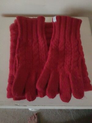 Crew Clothing red cable knit scarf and gloves set