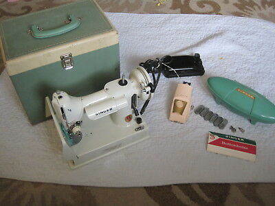 Featherweight Singer White Sewing Machine 221K + Case+Attachments Serviced