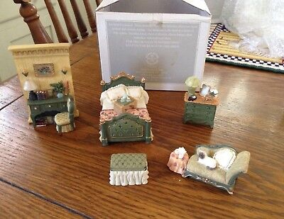 AVON Collectibles Victorian Memories BEDROOM Miniature Doll House Furniture
