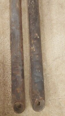 2-Old-CAST-IRON-Antique-WINDOW-SASH-WEIGHTs-8-lb-ROMAN-NUMBERS-VI-Vintage-Lot