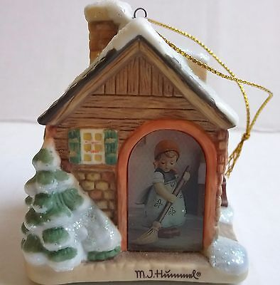"M.J. Hummel Lighted ""Company's Coming"" Christmas Village House Goebel"