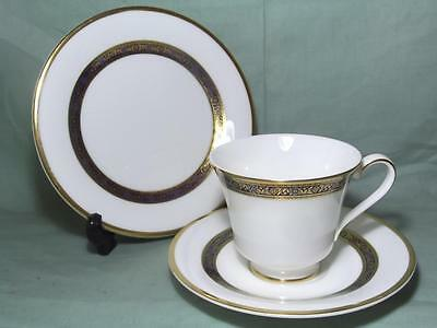 Royal Doulton Harlow Trio Tea Cup, Saucer & Side Plate H5034 (2nds)