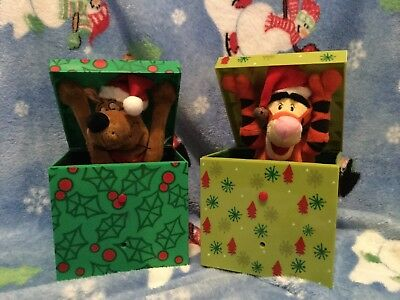 gemmy lot of broken two gift box buddies: tigger and scooby doo