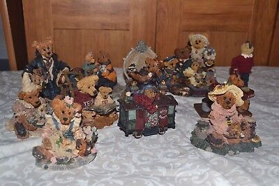Huge Lot of 12 Boyd's Bearstone Collection Resin Figurines Bailey Bear