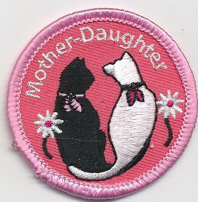 Girl MOTHER DAUGHTER CATS event day Outing Fun Patches Crests Badges SCOUT GUIDE