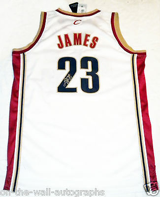 Lebron James Cleveland Cavaliers Hand Signed Autographed Authentic Jersey!  Proof 0d87ec2ed