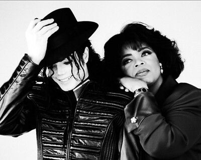 Michael Jackson UNSIGNED photo - K6304 - With Oprah Winfrey