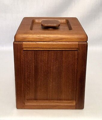 VINTAGE Mid-Century Solid Wood  ICE BUCKET Excellent Condition Wooden