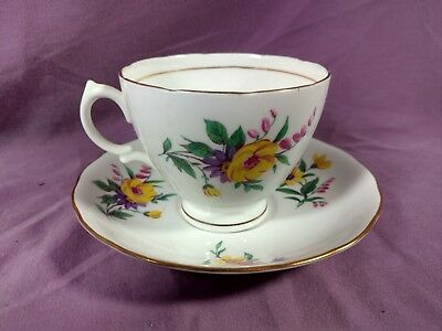 Royal Vale Floral Vintage English Bone China Tea Cup Teacup & Saucer