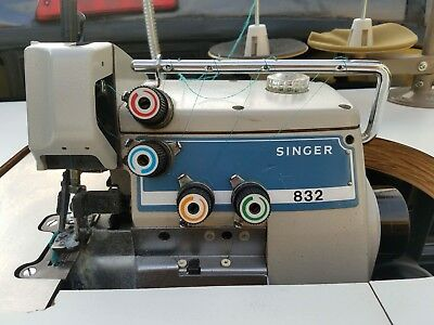 Singer 832u Thread Overlock Industrial Sewing Machine