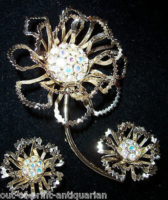Spectacular Sarah Coventry 3.5 Inch Gold Tone DIAMANTE Brooch & Earrings Set