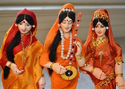 """Vtg 1980 Indian Hindu Folk Art 8"""" Dolls~Wooden Stands~Ethnic India~Painted Face"""